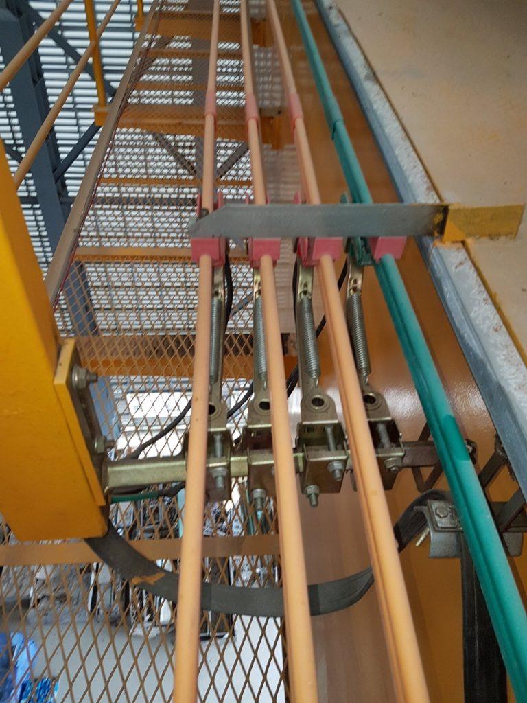 Cung cấp trolybar lấy điện và chổi than cầu trục 20ton
