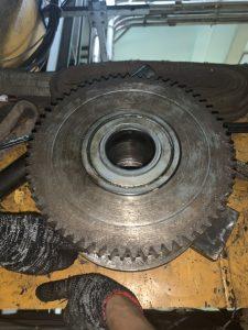 Thay thế senxo và bánh xe cầu trục 10ton 2 225x300 - Thay thế senxo và bánh xe cầu trục 10ton